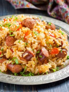 instant pot jambalaya on a silver plate